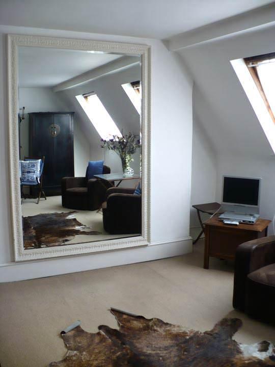 Зеркало в комнате фото